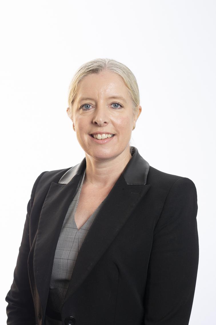 Dr Dawn Lawson